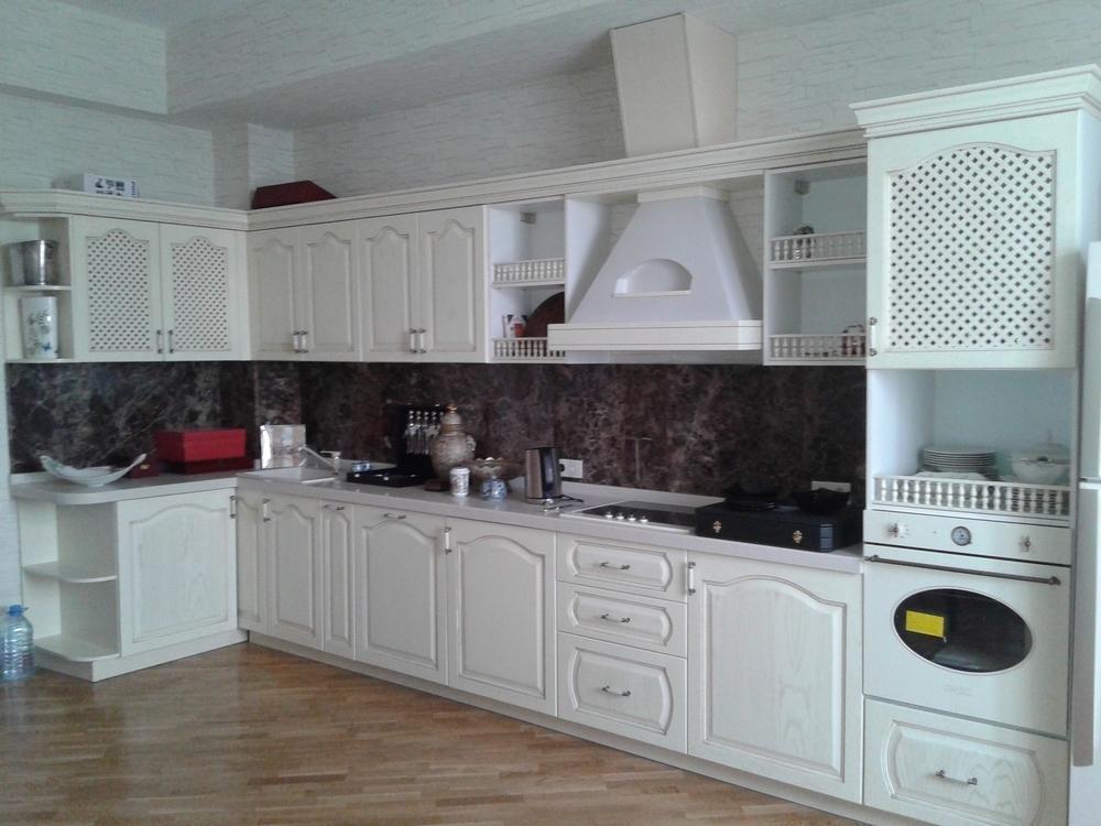 кухня, из крашенного дерева