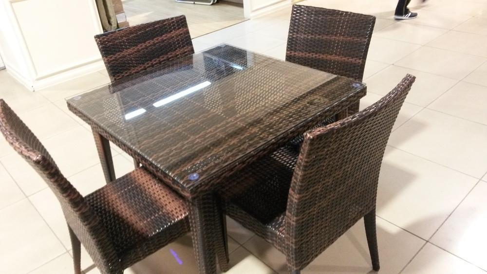 комплект 1 стол+4 стула