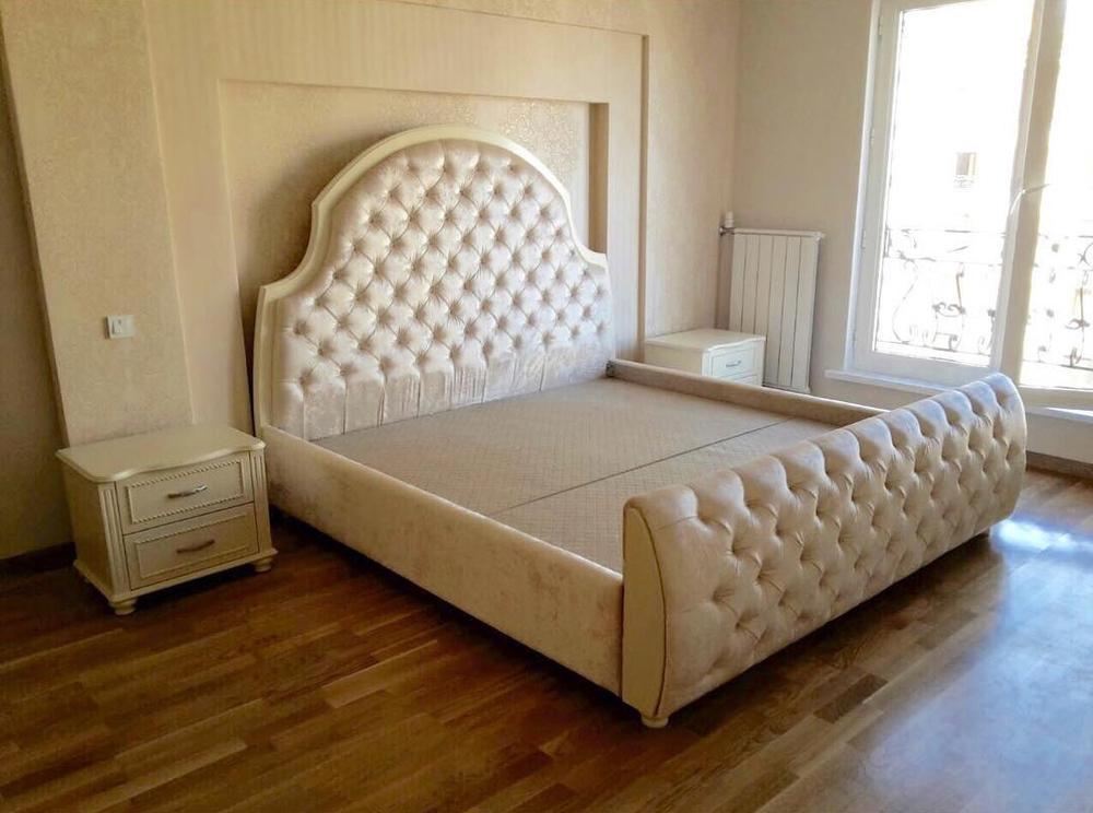 Кровать с капитонами