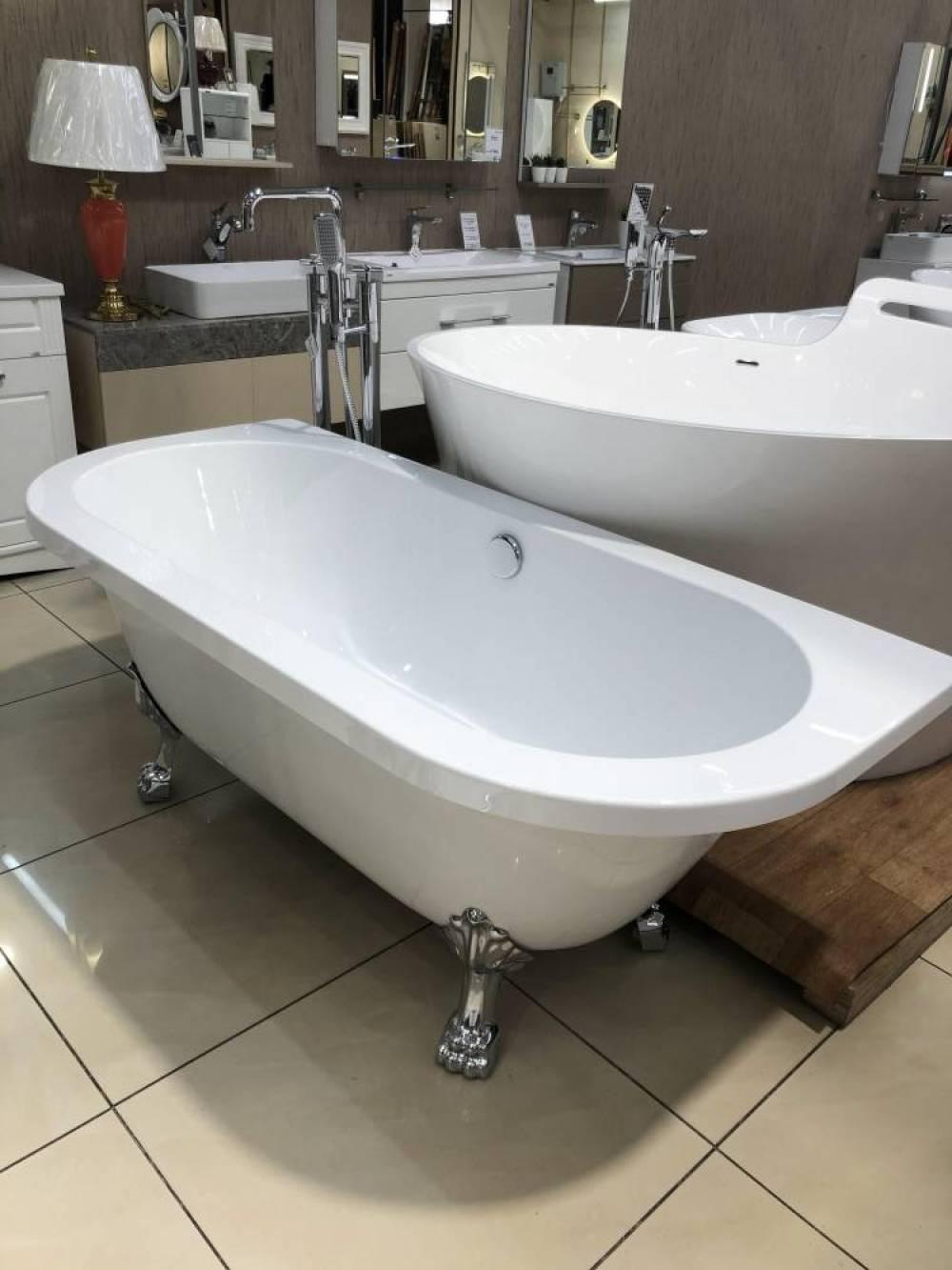 ванна акриловая на ножках