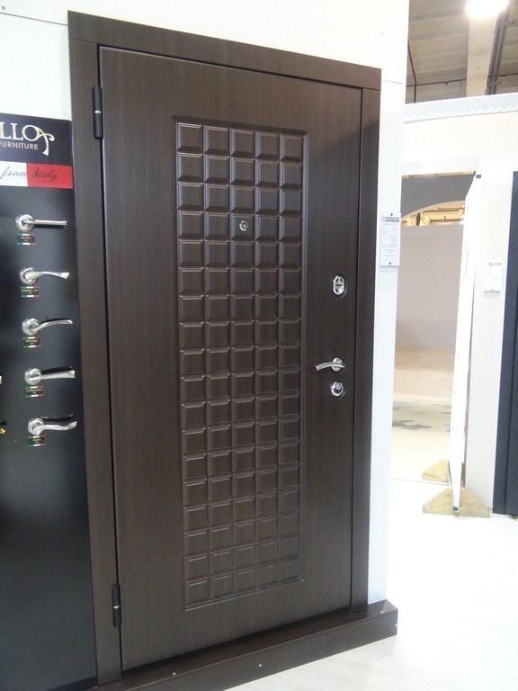 Дверь входная M-52