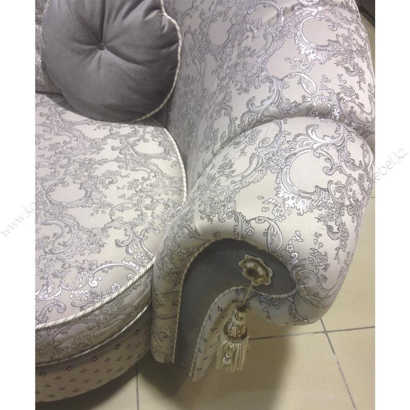 """4-х метровый диван """"Мадлен"""" с двумя углами, декорированный в стиле капитоне и кистями"""