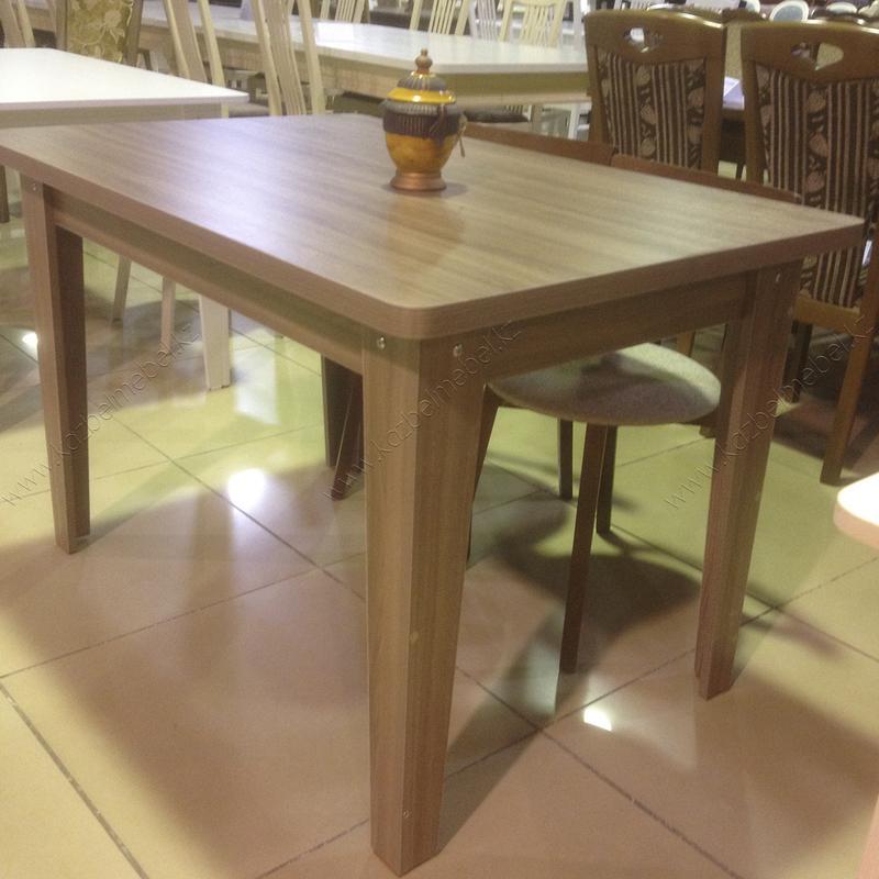 Кухонный стол, с 32-мм столешницей, из ЛДСП