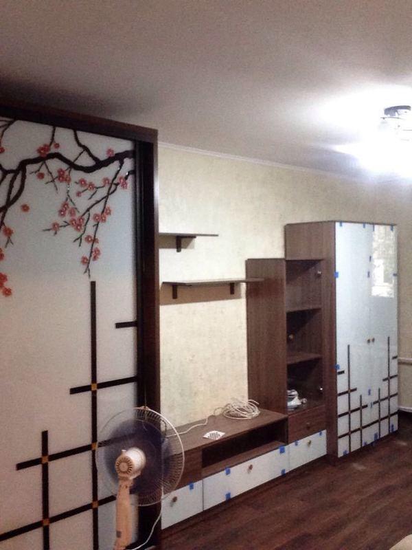 шкаф с тумбой под тв. с витражным рисунком сакура