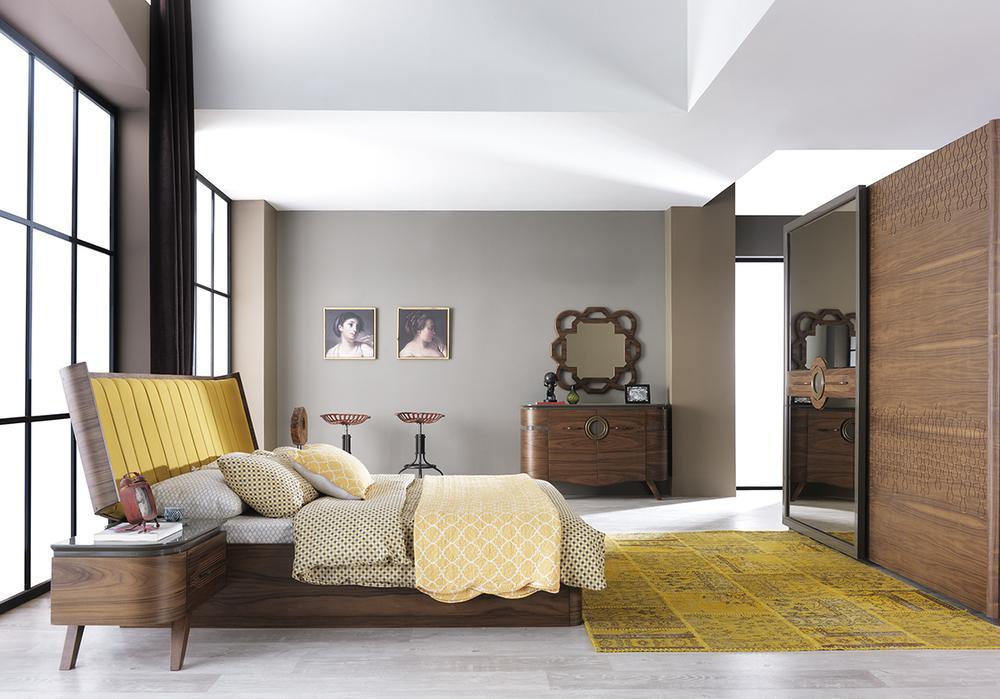Спальный гарнитур LARIS